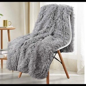 Other - Gray soft faux fur blanket New